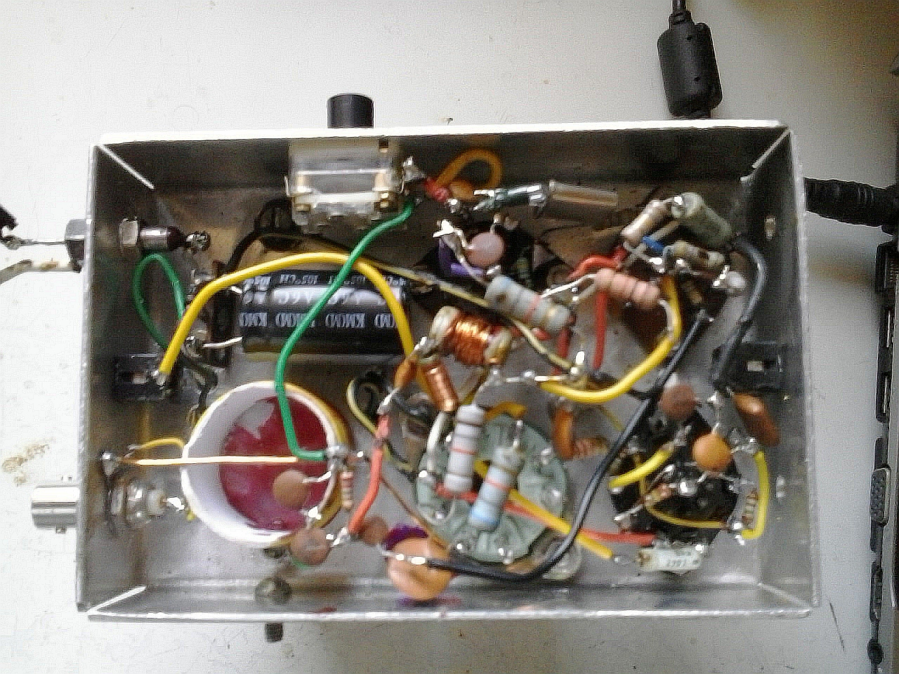 You are browsing images from the article: 4-valve 40m CW tcvr by PY2PBB