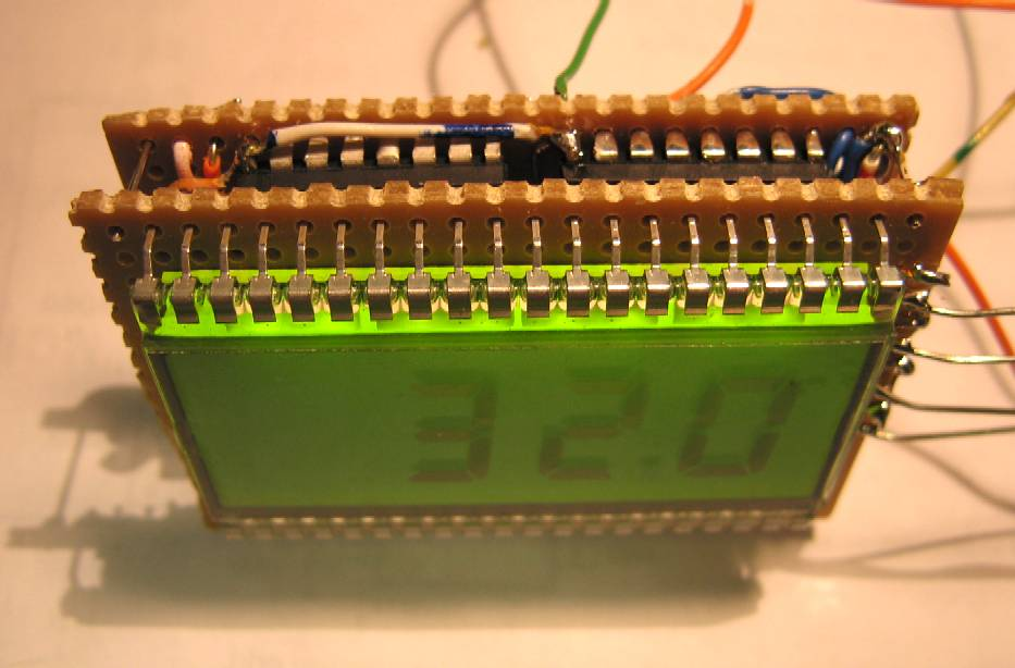 You are browsing images from the article: LCD Frequency Counter